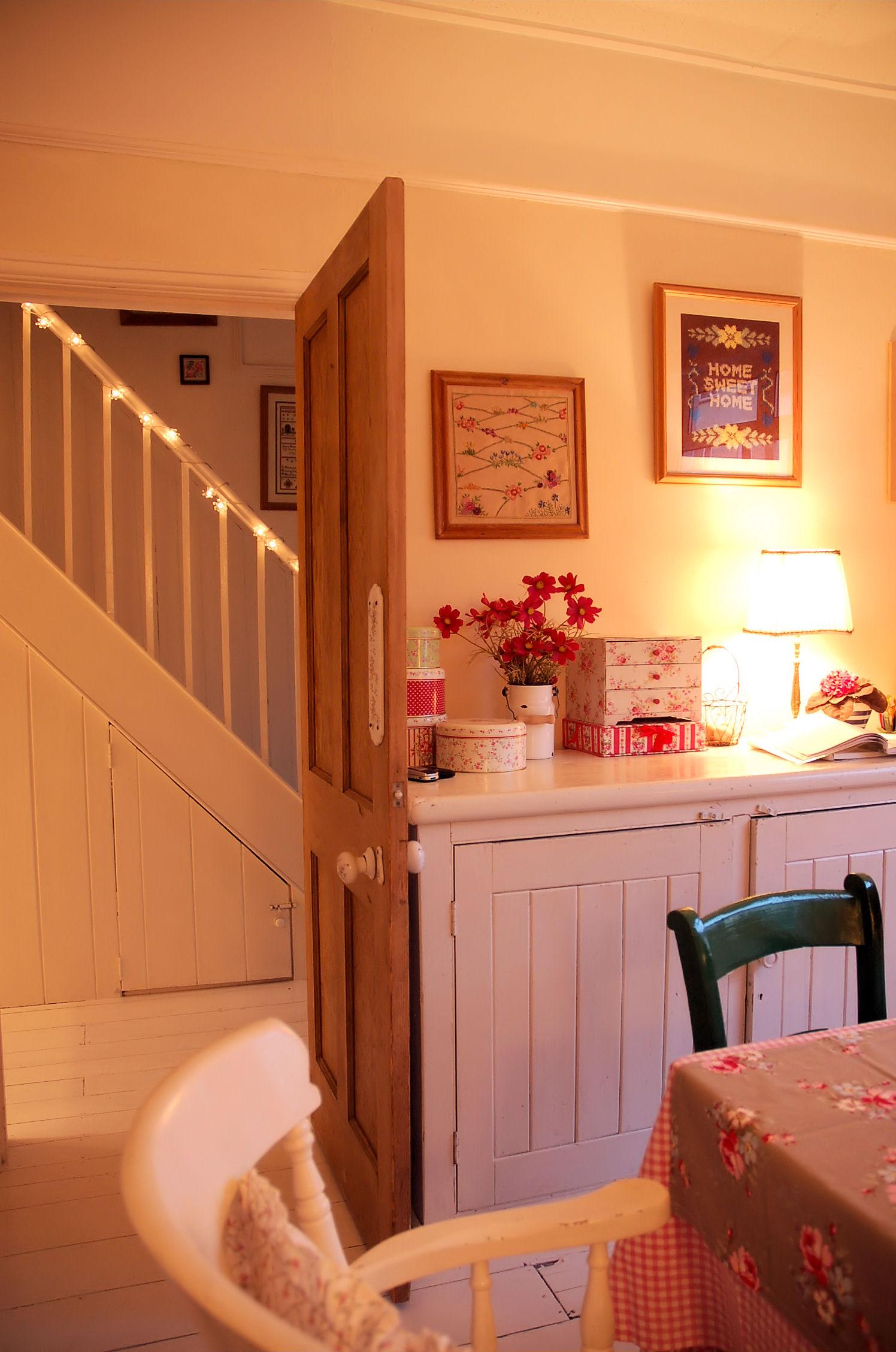 jane-kitchen door